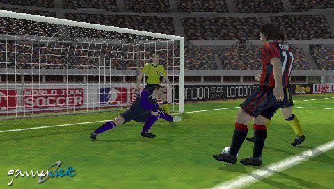 World Tour Soccer (PSP)  Archiv - Screenshots - Bild 4